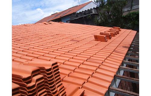 Construção e reforma de telhados na Chácara Klabin